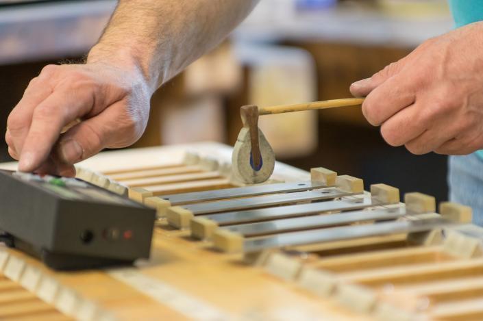 Regulation of sound plates