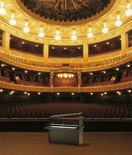 Celesta in einer Oper