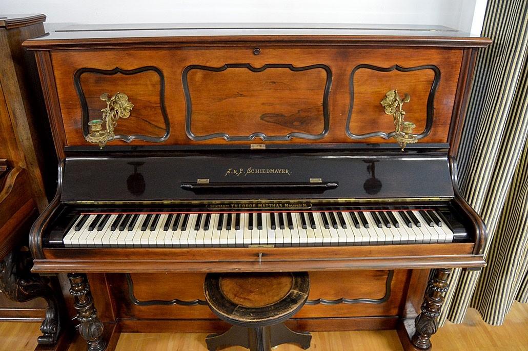 Piano J. & P. Schiedmayer